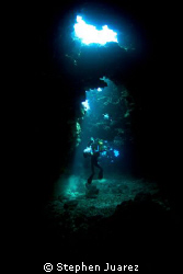 Ross inside 1st Cathedrals Lanai with his big HD housing ... by Stephen Juarez