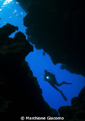 The cave- Ras Mohamed- Shar el Sheik Nikon D100 , 10,5 l... by Marchione Giacomo