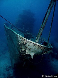 The David Tucker Wreck off Nassau. I used my DC 500 , dua... by Steven Anderson