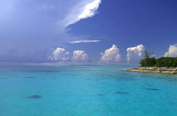 nassau, bahamas, nikon d100, 12-24mm lens by Leon Joubert