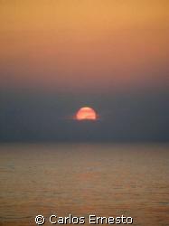 Sunset in the Atlantic. Olympus C-7070 by Carlos Ernesto