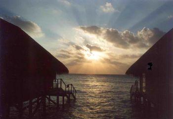 Coucher de soleil Maldiviens by Philippe Brunner