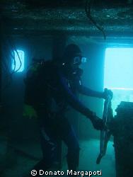 underwater captain by Donato Margapoti