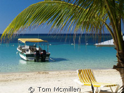 West Bay Roatan Honduras by Tom Mcmillen