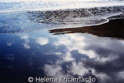 When the sea paints the sky...water-light pure art. (Ref... by Helena Encarnação