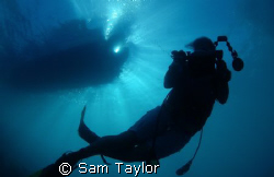 diver silhoutte, Miil channel feb. 2008 by Sam Taylor