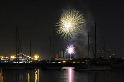 Happy New Year. I pass by the Manila Bay, after buying my... by Bernard Maglana