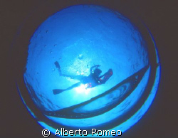 HOOPPSS………MY FISH EYE LENS IS OVERFLOWING WITH WATER   !!... by Alberto Romeo