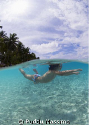 fesdhoo atoll ,maldives,nikon d2x 10,5 mm no strobes by Puddu Massimo