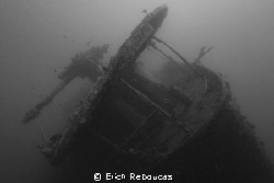 A Red Sea Classic. Anti-aircraft gun on the stern of the... by Erich Reboucas