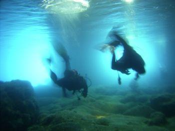 zelena spilja (green cavern) / ricoh g3  sea+sea / island... by Kurt Schunder