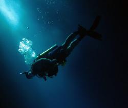 Banzi Cliff- shore dive by Martin Dalsaso