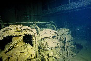 The engine room of the Kensho Maru, Truk Lagoon - this sh... by Eric Bancroft