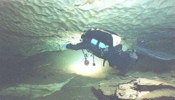 Plura Cave Norway Nikonos5 S&S16mm SB105 SS300 and SS400 ... by Teppo Lallukka