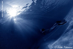 Rays of light creating a special atmosphere by Victor Tabernero