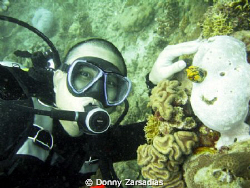 Smile! Ready, One, Two, Three! Taken at Dive N Trek Anila... by Donny Zarsadias