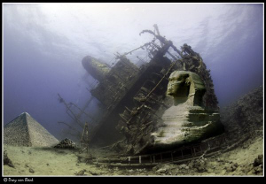 Egypt under water... by Dray Van Beeck