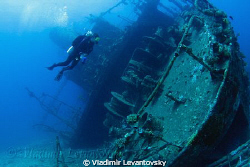 The wreck of Ghiannis D. Canon XSi with Tokina 10-17mm fi... by Vladimir Levantovsky