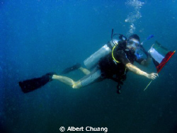 This picture was taken when i dive in Arabian sea, Fujair... by Albert Chuang