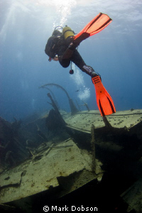 Diver explores wreck off Tenerife. EOS 20d Ikelite housin... by Mark Dobson