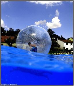 Aqua ball by Veronika Matějková