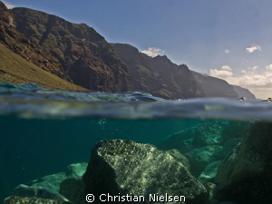 Tenerife under and above the surface. A try with a over/... by Christian Nielsen