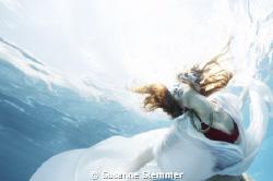 Underwater fashion editorial for WIEN LIVE magazine see ... by Susanne Stemmer