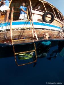 End of dive. Canon G10, Dyron 12mm fisheye. by Bea & Stef Primatesta