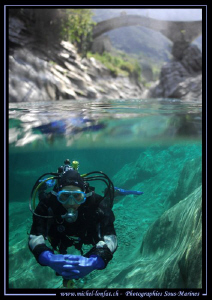 Diving the Verzasca River - Under the Bridge... Que du bo... by Michel Lonfat