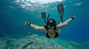 Happy freediver :-) by Rico Besserdich