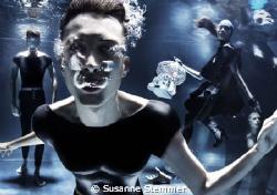 underwater fashion editorial for SEE'YA MAGAZINE - find m... by Susanne Stemmer