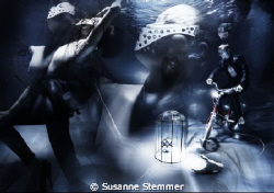 underwater fashion photography for SEE'YA magazine - see ... by Susanne Stemmer