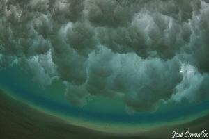 Wave breaking in the fabulous island of Porto Santo, in P... by José Carvalho