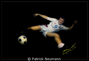 more soccer underwater by Patrick Neumann