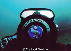 Close-up of my dive buddy. Nikonos V, Sea & Sea 12mm lens... by Michael Grebler