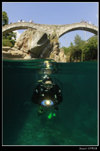Our week-end expedition to the Verzasca :-D - buddy Pili ... by Daniel Strub