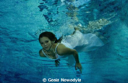 Even being deep down, a lady is always beautiful:) by Gosia Nowodyla