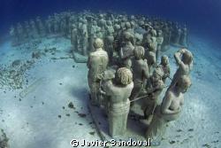 The largest underwater museum, arround 400 sculptures, Ca... by Javier Sandoval