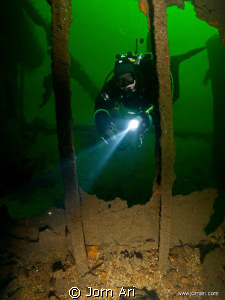Diving at the beautiful wreck of Tom B in the south of No... by Jorn Ari