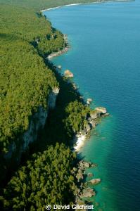 Niagara Escarpment, Georgian Bay. Aerial shot of the esca... by David Gilchrist