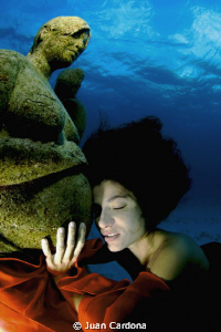 underwater Art...fellings by Juan Cardona