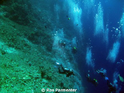 Divers' bubbles at Shaab Sharm by Ros Parmenter