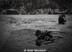 The end of ice diving but where is the other diver ??? by Gosia Nowodyla