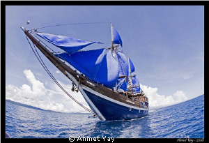 Dive boat, Raja Ampat by Ahmet Yay