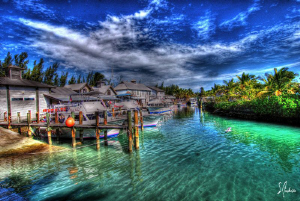 A beautiful day at Nassau's premier dive center Stuart Co... by Steven Anderson