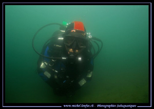 My friend JP - Last week-end dive in our very bad viz con... by Michel Lonfat