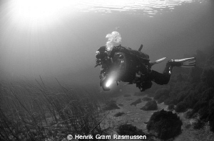 Water temp -1 Degree and clear wiz ... a rare thing in th... by Henrik Gram Rasmussen