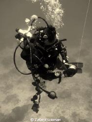 Diver at safety stop.. by Zafarol Lokman