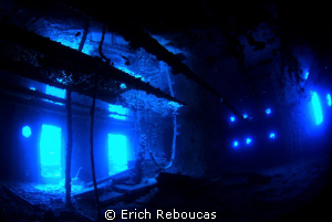 Captain's cabin of the SS Thistlegorm, natural light by Erich Reboucas