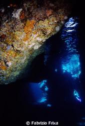 Ustica cave. by Fabrizio Frixa